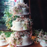 3 Tier Wedding Cake Roses and Ivy