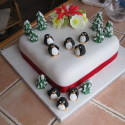 Christmas Cake 8 Penguins and 8 Trees